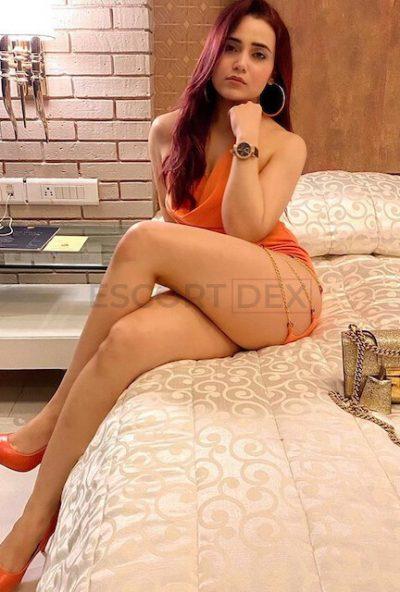 Call Girls In Karol Bagh |+91-7042192566| High Class Escorts Delhi